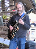 Richard plays a festival with the workshop, 2005